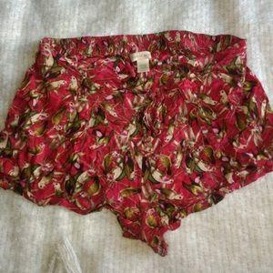 UO Bird Pattern Tulip Shorts